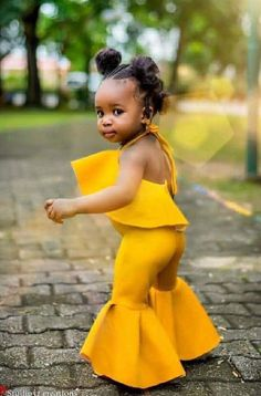 Charming Photos Of This Little Girl Tears The Internet Apart Cute Kids Fashion, Girls Fashion Clothes, Kids Outfits Girls, Baby Girl Fashion, Toddler Fashion, Girl Outfits, Cute Outfits, Beautiful Black Babies, Beautiful Children
