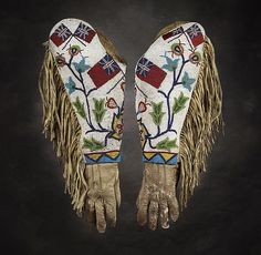 Exhibition Detail: Floral Journey: Native North American Beadwork | Autry Museum of the American West