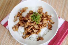 ข้าวหมูทอดกระเทียม หอมๆอร่อยและทำง่าย / Fried Pork with Garlic over Rice