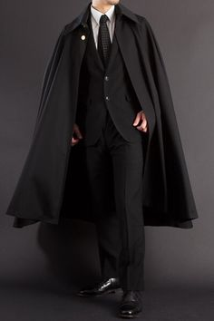 best ideas for closet hombre coats Gothic Fashion, Mens Fashion, Fashion Outfits, Moda Steampunk, Moda Formal, Character Outfits, Look Cool, Costume Design, Formal Wear
