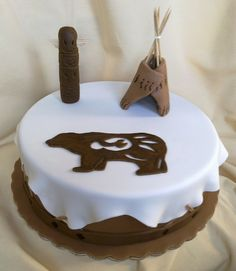 Native Indian Drum cake with just the bear & teepee