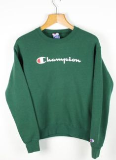 f1cf394ce71 FOR SALE  Vintage Women s CHAMPION USA Green Sweatshirt Jumper