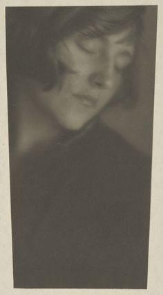 © Edward Weston   Margrethe Mather, 1919