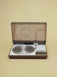Beogram 6000 Turntable for Bang & Olufsen (1974) / designed by Jakob Jensen