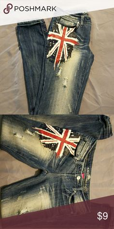 Almost Famous Jeans Blue jeans distressed size 3/4 Almost Famous Jeans Skinny