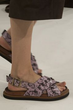 Tod's Spring 2018 Fashion Show Details - The Impression