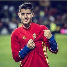 El mejor de todos...〽 España-Macedonia 4-0  #alvaromorata #morata #AM9 #AM21 #grandeAlvaro #VamosAlvaro #VamosMorata #elmejor #mitico #crack #campeon #juventus #finoallafine #elcanterano #siempreapoyandote #siemprecontigo #apoyoincondicional #sefutbol #laroja #seleccionespañola #laroja #españa #realmadrid #football #goleador #gol
