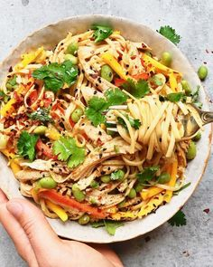 Spicy Weeknight Noodles with Scallions, Mango, Jalapeno, Edamame and Honey Garlic Soy Sauce Easy Weeknight Dinners, Quick Easy Meals, Recipes With Soy Sauce, Edamame, Sweet And Spicy, Noodles, Stuffed Peppers, Honey, Ethnic Recipes