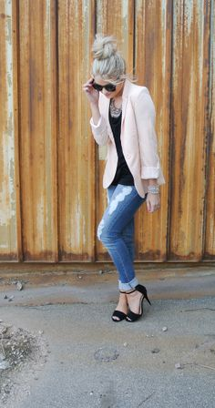 light pink blazer with light jeans, black shirt & shoes
