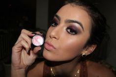 Maquiagem com pigmento Rosa