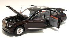 2002 Bentley State Limousine   - Queen Elizabeth II MINICHAMPS 100 139700 Scale 1:18