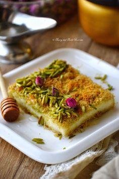 Pistachio Kunafa/ Kanafe/ Kanafah – Middle Eastern Dishes – Home Recippe Arabic Dessert, Arabic Food, Arabic Sweets, Kunafa Recipe, Plats Ramadan, Ramadan Desserts, Ramadan Recipes, A Food, Food And Drink