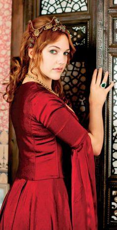 Turkish Actress Meryem Sarah Uzerli Latest Hot Wallpapers And Pictures 2013 03