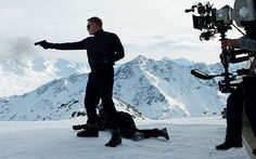 James Bond has returned. Daniel Craig's 007 makes his first appearance in Spectre, the James Bond movie, in behind-the-scenes footage from the set released tonight. The clip shows Craig. New James Bond, Daniel Craig James Bond, James Bond Movies, Spectre 2015, 007 Spectre, Amc Movies, Romance Movies, Rachel Weisz, Hollywood Movie Trailer