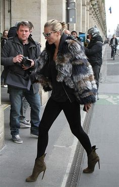 how to wear fur ad skinnies