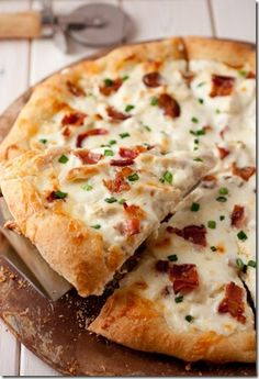 Chicken Alfredo Pizza-delicious!!  This is going in my cookbook!   #pizza #recipes #ketchup #cheese