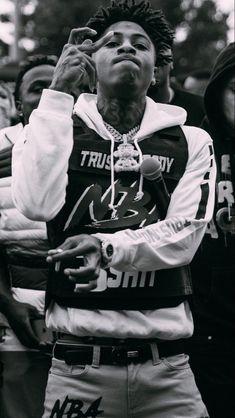 Hood Wallpapers, Nba Wallpapers, Irving Wallpapers, Rapper Wallpaper Iphone, Rap Wallpaper, Images Terrifiantes, Mode Hip Hop, Rapper Outfits, Best Rapper Alive