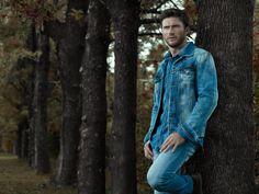 Scott Eastwood estrela da campanha outono-inverno 2016 da Colcci.