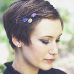Silver + Colorful Glitter hair accessories bobby pins Catherine Masi / Shop Hair by Myriah Bujak Makeup by Lauren Pitts Bobby Pin Hairstyles, My Hairstyle, Pixie Hairstyles, Pixie Haircut, Growing Out Short Hair Styles, Short Hair Cuts, Pixie Cut Accessories, Corte Pixie, Cut Her Hair