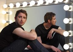 lee pace and the mirror<3