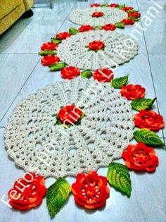 FEITOS POR MIM BY LU RONTANI: Passadeira Flores em crochê