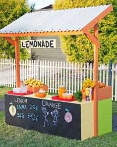 How to make a lemonade stand: Introduce your kids to the exciting world of retail with this bright, colourful lemonade stand.    When you finish building this stand, everyone will want to stop for a refreshing drink, or at least a chat as they wander by. You just have to hope your kids don't create traffic chaos. And, of course, if your littlies are setting up shop out the front of your place, you'd better keep a close eye on things. Kids Lemonade Stands, Farm Stand, Woodworking Machinery, Woodworking Clamps, Woodworking For Kids, Woodworking Quotes, Woodworking Organization, Woodworking Videos, Woodworking Workshop