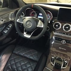 A penthouse suite with a steering wheel: the interior of the all-new Mercedes-AMG C63 S.  MBPhotoCredit  @johannesknapp
