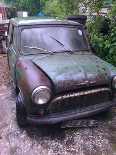 austin mini traveller countryman on ebay already over £1000 with 6 days to go - needs fixing up a bit !!!