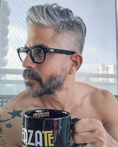 20 Shades of Hot Gray-Haired Guys White Hair Men, Silver Grey Hair, Men With Grey Hair, Gray Hair, Older Men Haircuts, Older Mens Hairstyles, Great Haircuts, Grey Hair And Glasses, Glasses For Men