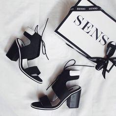 senso 'riley black leather' heeled sandals