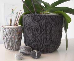 Cute flower pot knitting project!