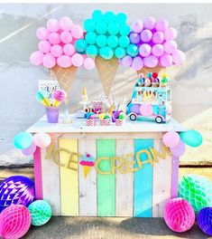 Not LOL specific but such a cute idea for an ice cream station!!