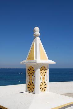 Chaminé algures numa casa do Algarve - Portugal Algarve, Azores, Rooftops, Moorish, Portuguese, Fireplaces, Crowns, Landscapes, Spain