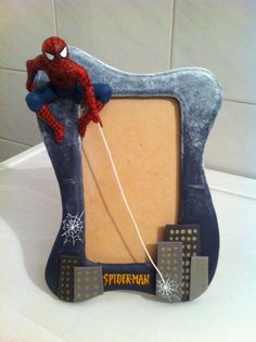 Spiderman Photo Frame / Cold Porcelain by Mariana Falcón Homemade Clay Recipe, Polymer Clay Recipe, Fimo Clay, Polymer Clay Projects, Polymer Clay Creations, Clay Crafts, Porcelain Clay, Ceramic Clay, Cold Porcelain