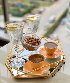I Love Coffee, Coffee Set, Coffee Presentation, Chocolate Dipped Fruit, Food Decoration, Food Platters, Cafe Food, Diy Food, Food And Drink