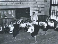 昭和11年、女学校の柔道の授業。戦前~戦後のレトロ写真(@oldpicture1900)さん | Twitter