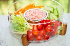 Trempette au poivron rouge rôti et féta!  99 calories / 12 g glucides / 6 g protéines / 4 g lipides / 3 g fibres