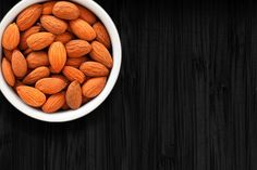 18 Keto Snack: Full di grassi sani e Delicious Night Time Snacks Healthy, Healthy Bedtime Snacks, Healthy Protein Snacks, Quick Snacks, Healthy Cookies, Keto Snacks, Healthy Munchies, Healthy Kids, Eating At Night