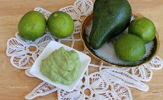 Salsa guacamole ricetta originale messicana preparata con avocado, lime e spezie. Ottima come accompagnamento alle tortillas e ai nachos.