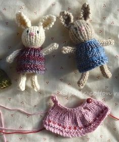 how to: knitted dress for tiny toy