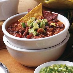 Fire Roasted #SlowCooker Chili - Deliciously hot and spicy with an avocado salsa.#recipe