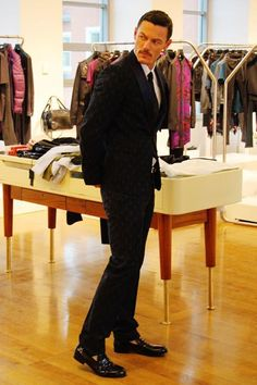 Milan Fashion Week Menswear - Diesel Black Gold, 15 Jan - Фотоальбомы - Luke Evans (Люк Эванс)