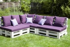DIY Outdoor Couch › Wohn-Guide Blog  Super cool!