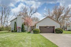 5582 Cox Smith Rd, Mason, OH 45040 - Trulia Family Room, Home And Family, Sump Pump, Whirlpool Tub, Casement Windows, Concrete Patio, Gas Fireplace, Granite Countertops, Ohio