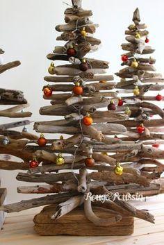 Les sapins de noël en bois flotté de Rouge Poussin Plus
