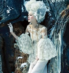 """Vogue Korea – """"White on White"""" . Stylist Son Eun Young selected pieces from Chanel, Lie Sang Bong, Miss Gee Collection and many more while photographer Tae Woo lensed the images for Vogue Korea's February 2013 issue. Vogue Korea, Vogue Editorial, Editorial Fashion, Steam Punk, Editorial Photography, Fashion Photography, Rococo Fashion, Inspiration Mode, Kawaii"""