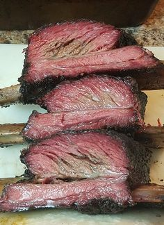 Best beef steaks, bbq tips, grill types and more. Healthy cooking is important and balance the calorie, fat and protein. Also be careful the timing. Bbq Beef Ribs, Beef Ribs Recipe, Beef Steak Recipes, Beef Short Ribs, Rib Recipes, Best Grilled Steak, Best Steak, Prime Steak, Healthy Meals To Cook