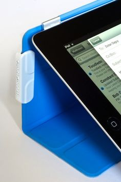 Apple's Smart Cover for the iPad Just Got A Little Bit Smarter: A Hands-On Accessory Review