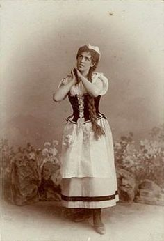† Cato Engelen-Sewing (January 27, 1868 - December 17, 1968) Dutch soprano singer.