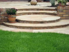 61 Ideas for curved patio steps water features Patio Steps, Brick Steps, Garden Steps, Concrete Patios, Brick Patios, Back Garden Design, Patio Design, Circular Garden Design, Garden Features